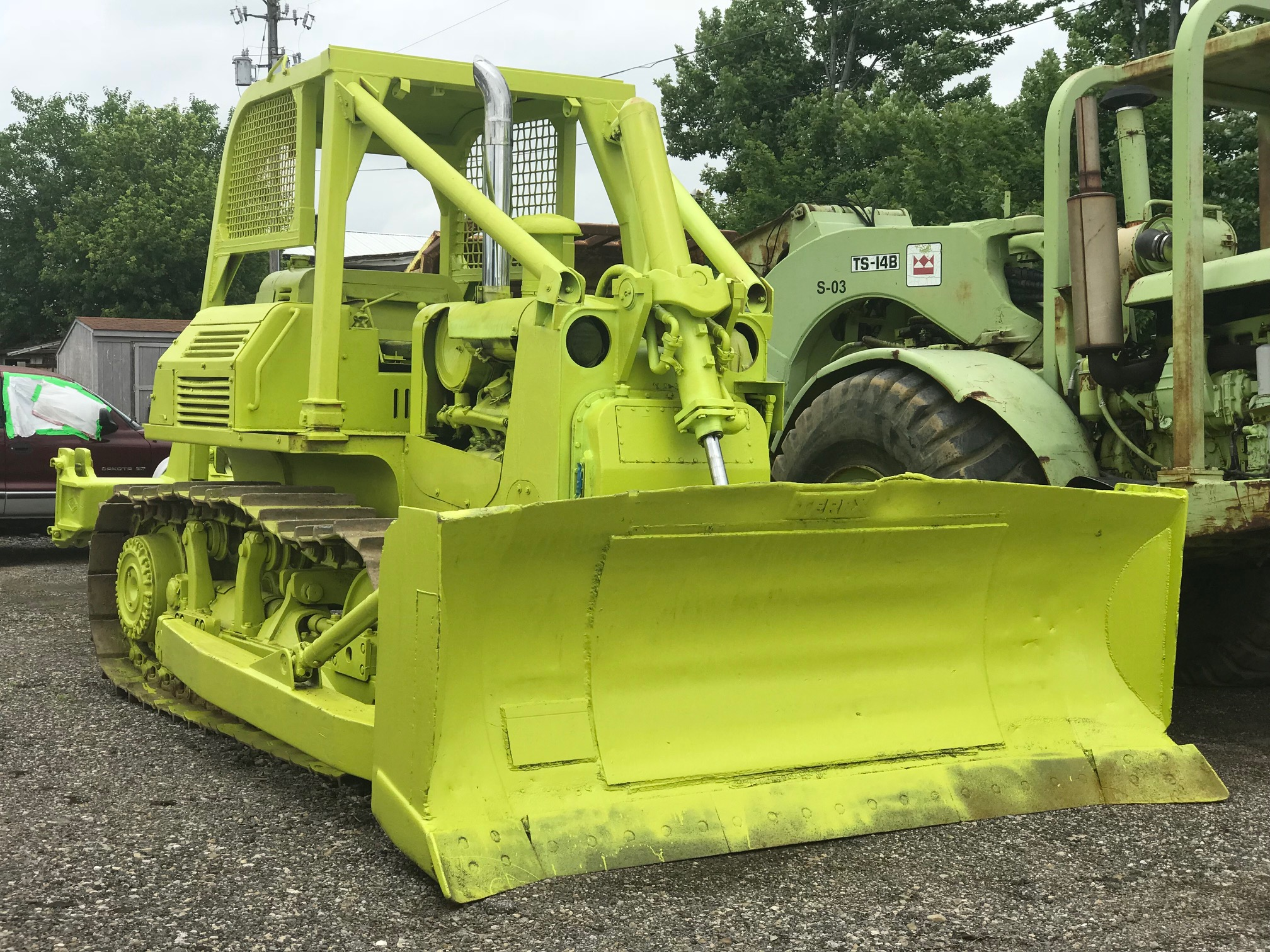 Bulldozers For Sale >> Terex 82 20 Dozer With A Ripper For Sale